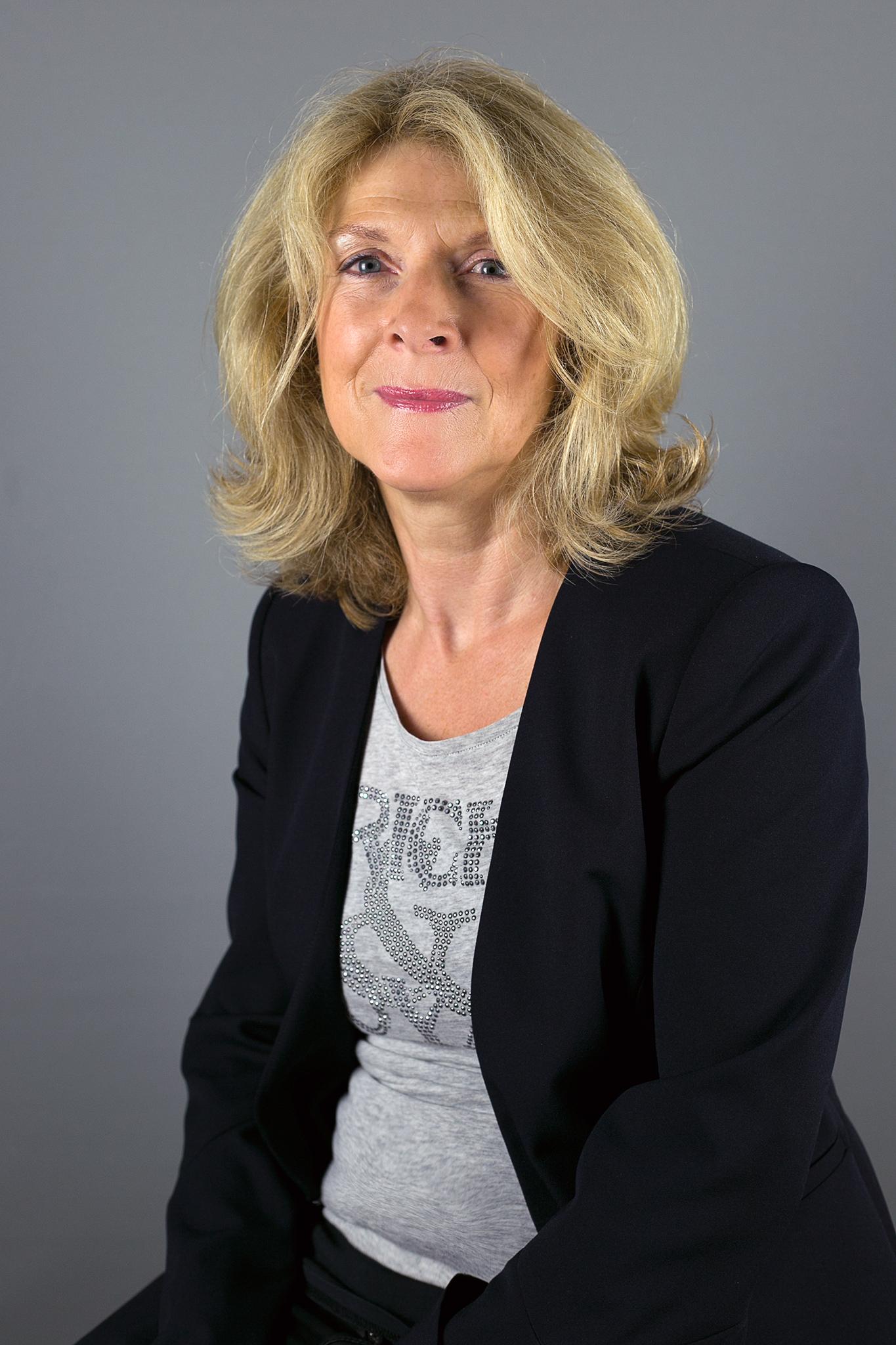 Frau Mayerhöfer-Hotz