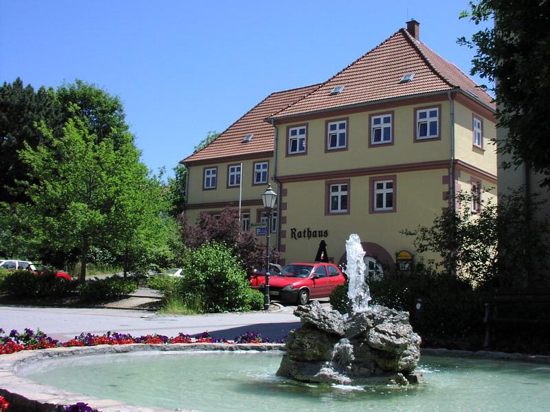 Das Rathaus der Stadt Neckarbischofsheim.